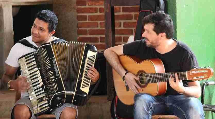 Duo Alfa de Alex de Oliveira e Fabinho Pontes, que é atração do Fórum da Mulher neste sábado