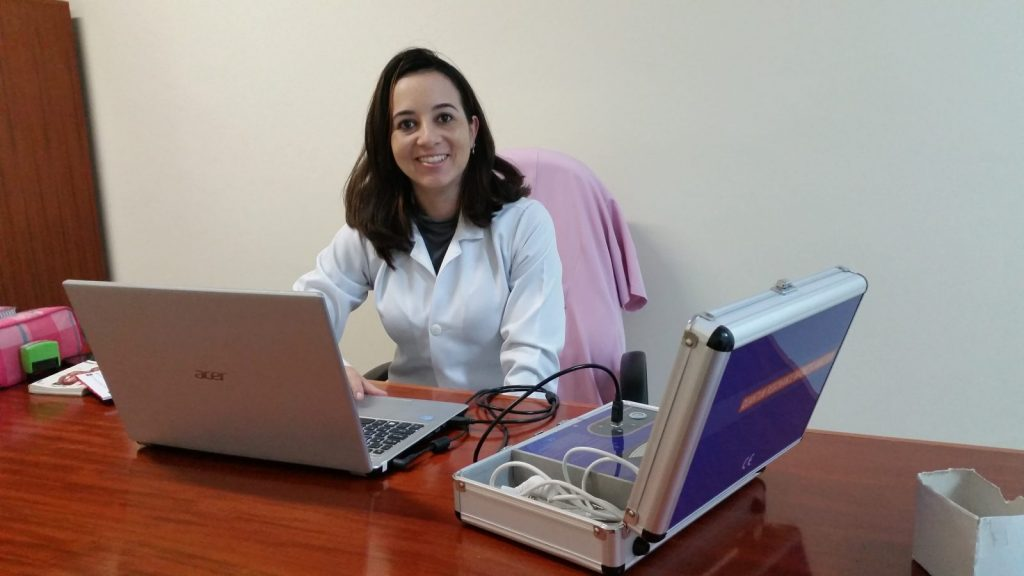 A terapeuta ortomolecular Alessandra Locatelli vem a Itapeva uma vez por mês para realizar os exames