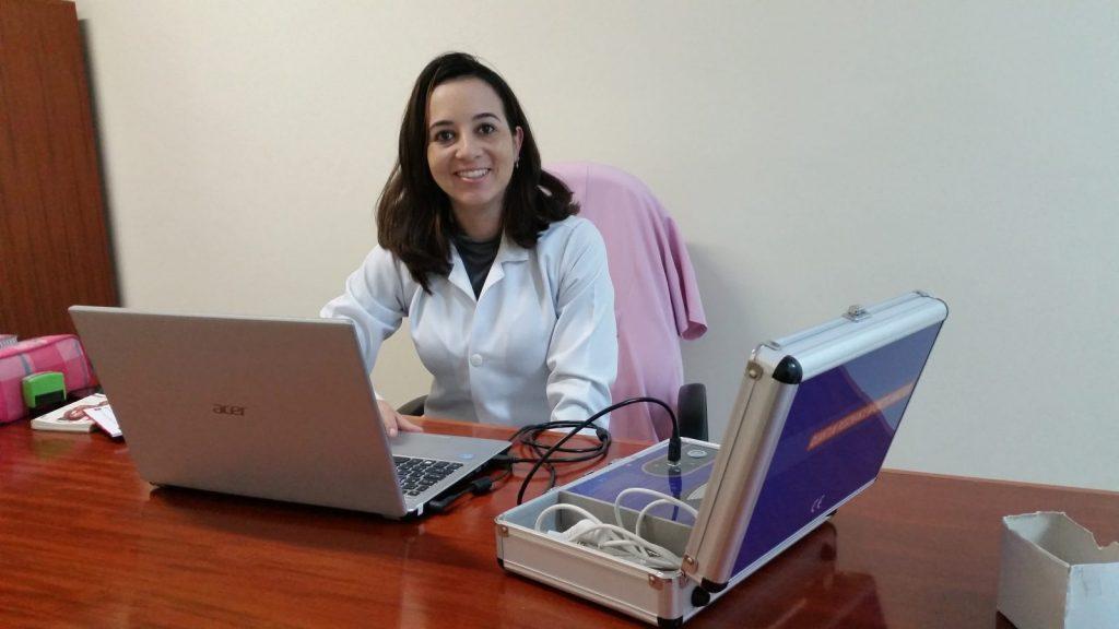 Alessandra Locatelli é terapeuta ortomolecular e realiza o exame de Ressonância Magnética Quântica em Itapeva
