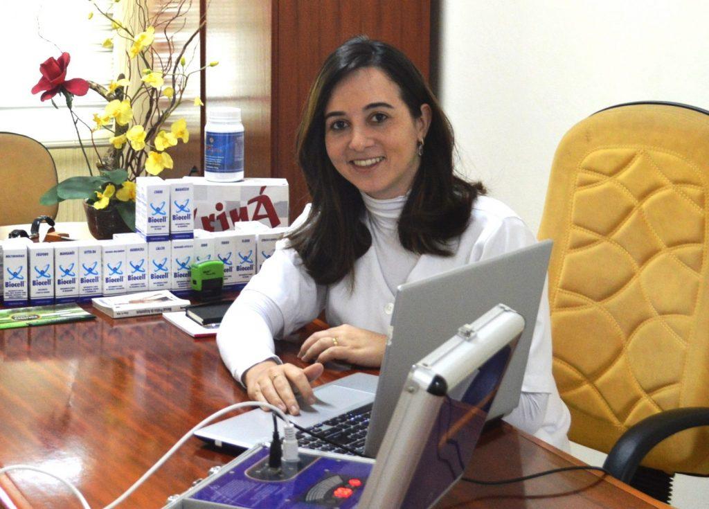 Alessandra Locatelli é terapeuta ortomolecular e uma vez por mês realiza o exame em pacientes de Itapeva