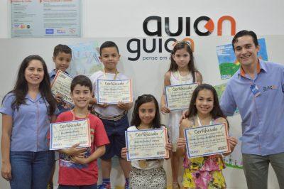 Guion premia vencedores do concurso de desenho