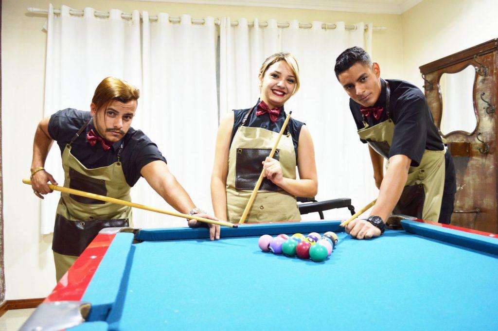 Robson, Simone e Felipe formam a equipe que cuida do visual dos clientes