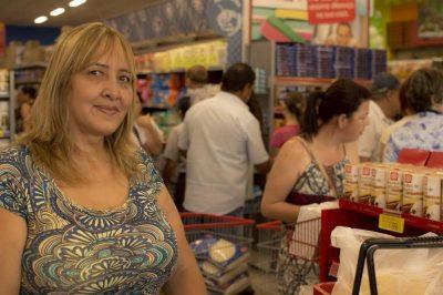 a-diretora-de-escola-nilda-oliveira-fala-das-vantagens-do-novo-supermercado-de-itapeva
