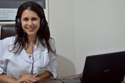 a-fonoaudiologa-cintia-fadini-knap