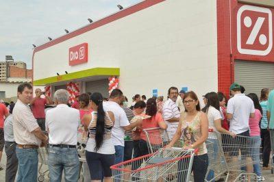 populacao-fez-fila-para-participar-da-inauguracao-da-nova-loja-do-supermercado-dia