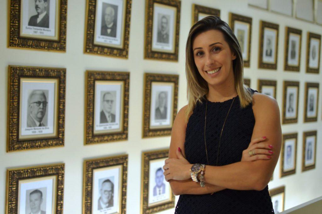 A advogada Patrícia Campos assumiu aos 33 anos de idade três das mais importantes secretarias do Governo Municipal de Itapeva