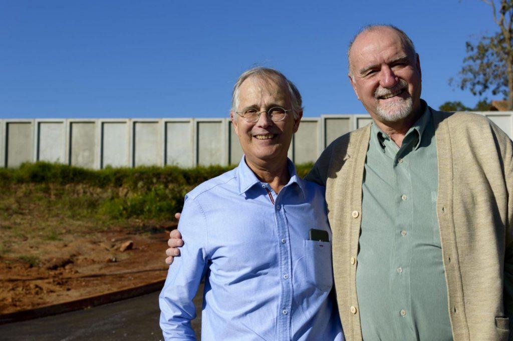 Araldo Marcondes e o prefeito Luiz Cavani, no Ouroville Itapeva
