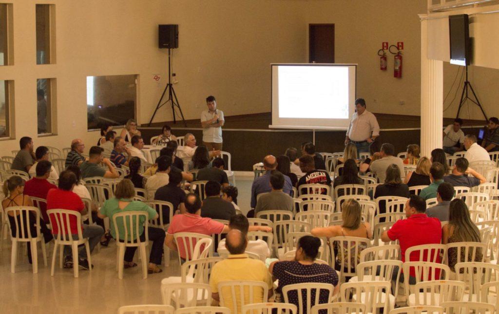 Assembleia foi realizada no salão Vitória Régia