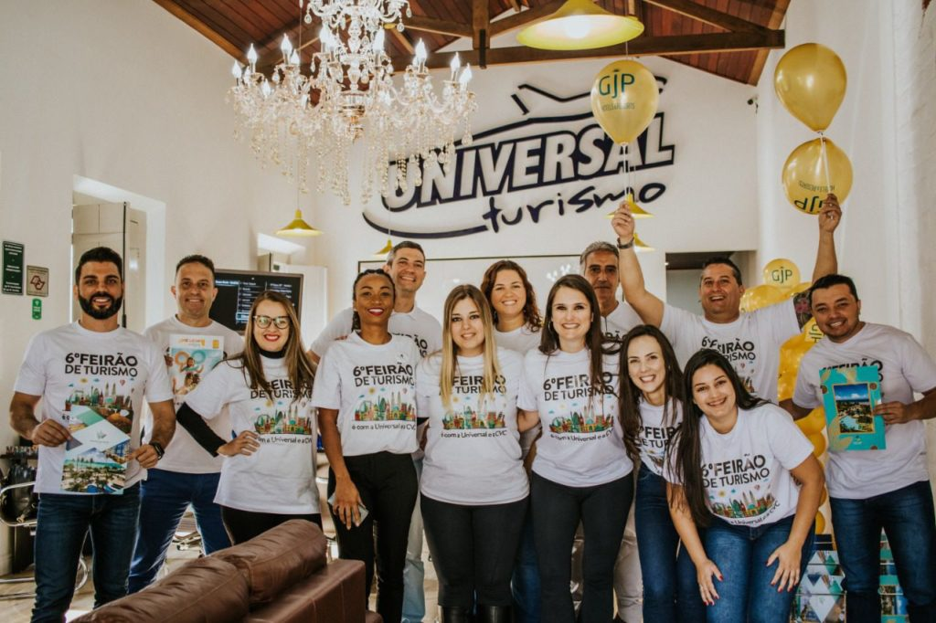 Representantes de vários dos principais hotéis e resorts participaram do evento na Universal Turismo de Itapeva