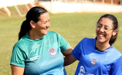 Fabiana e a filha Iris fazem parte da mesma equipe