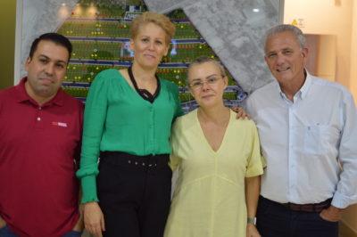 Alann Simões e Vanessa Xavier, da Trevisan e Salete e Fernando Butzer, da Bumas Empreendimentos