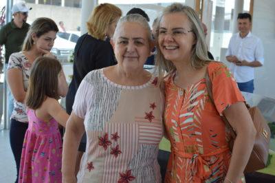 Dona Bete e Salete Butzer durante o lançamento do Residencial