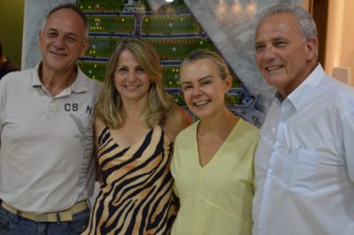 Os casais Arnaldo Chueri e Kika e Fernando Butzer e Salete