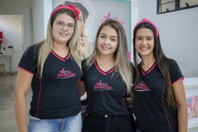 Juliana, Alexia e Ana Laura formam a equipe campeã de elogios