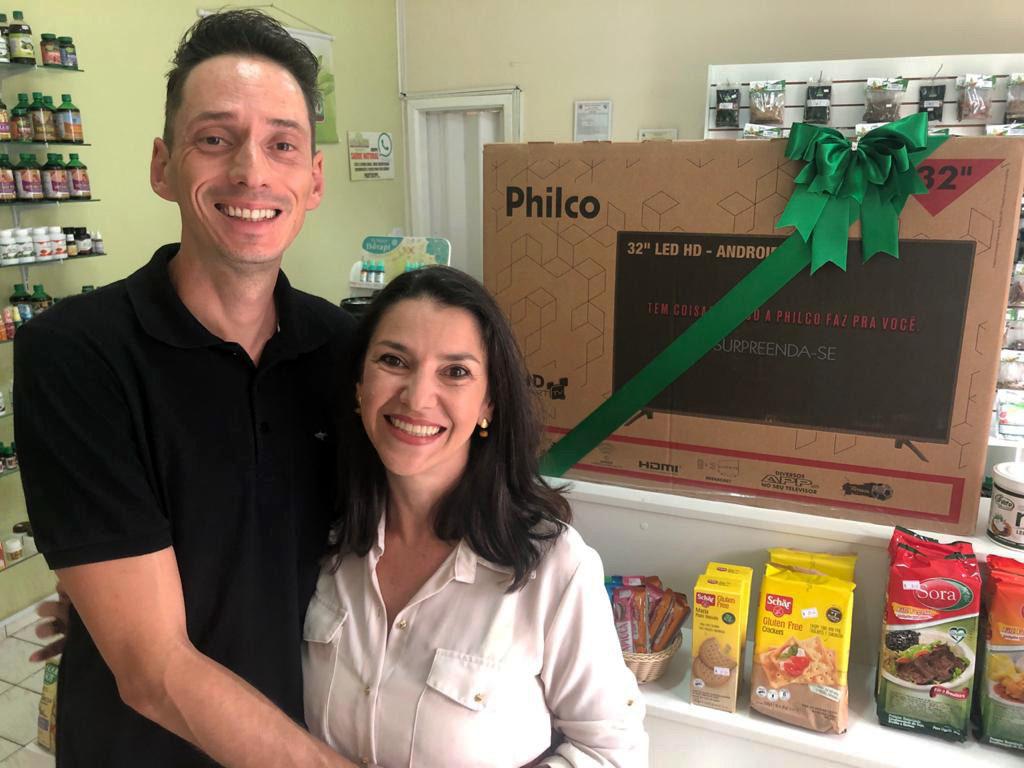 Os empresários Emmanuel e Rosana Contipeli idealizaram a promoção para celebrar com os clientes os quatro anos da Bella Terra