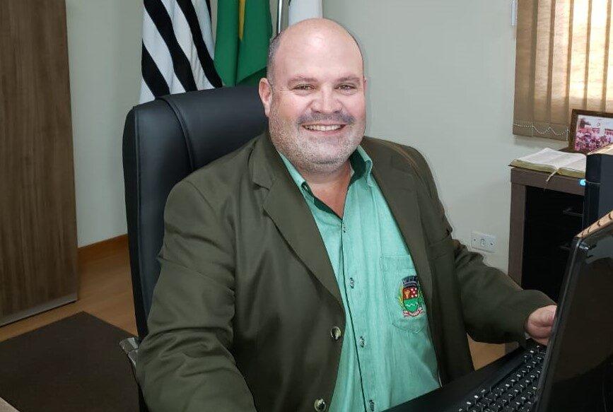 Alex Lacerda é prefeito de Itaberá